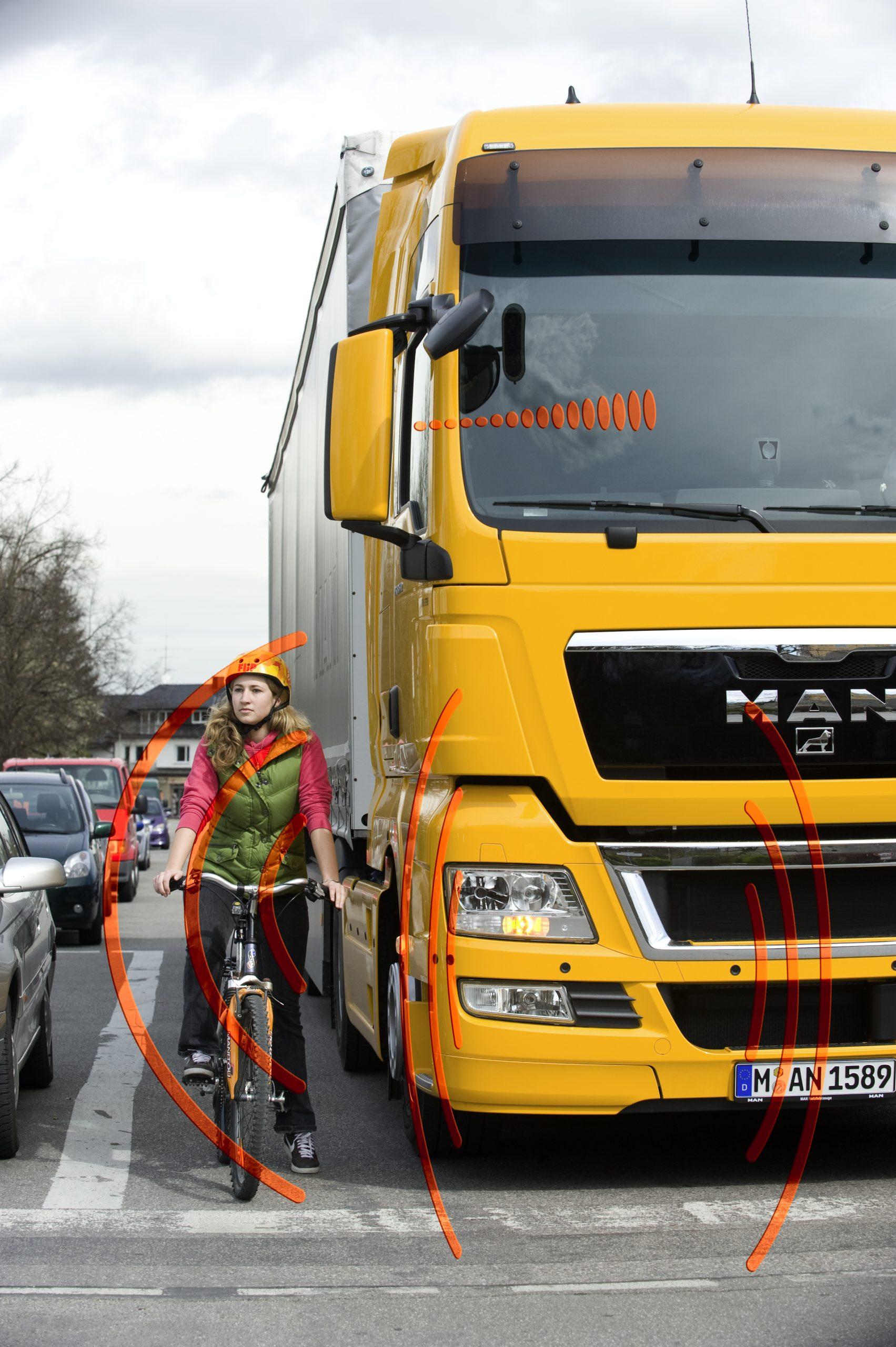 Asystent skrętu wzmacnia czujność kierowców